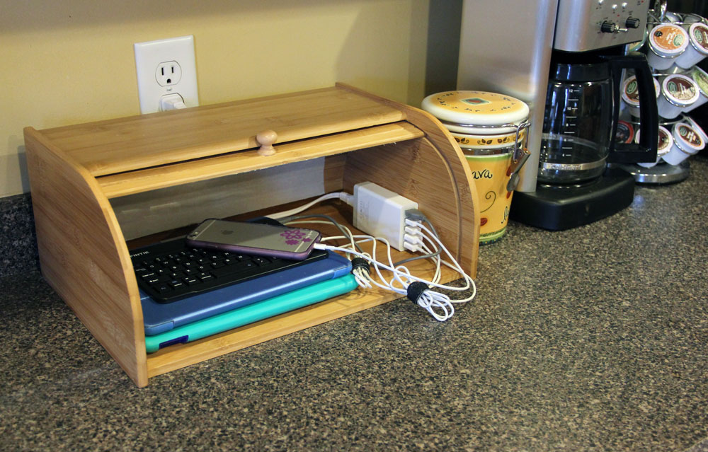USB charging station for multiple devices